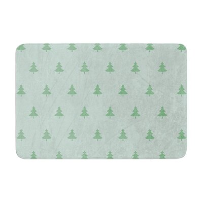 Snap Studio Pine Pattern Memory Foam Bath Rug Size: 0.5 H x 17 W x 24 D, Color: Green