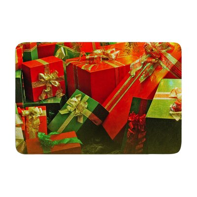 Snap Studio Wrapped in Cheer Presents Memory Foam Bath Rug Size: 0.5 H x 24 W x 36 D