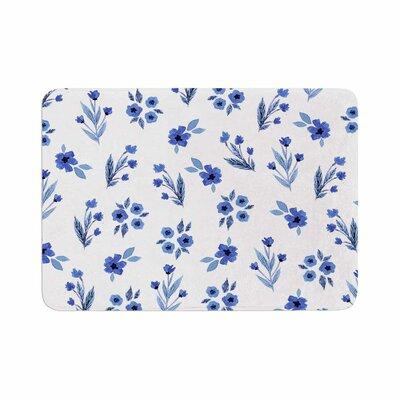 Starwberringo Floral Pattern Memory Foam Bath Rug Size: 0.5 H x 17 W x 24 D