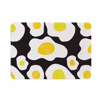 Vasare Nar Fried Eggs Pattern Pop Art Memory Foam Bath Rug Size: 0.5 H x 24 W x 36 D