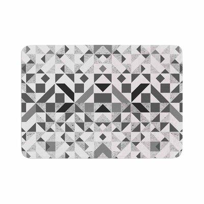 Vasare Nar Monochrome Geometric Memory Foam Bath Rug Size: 0.5 H x 24 W x 36 D