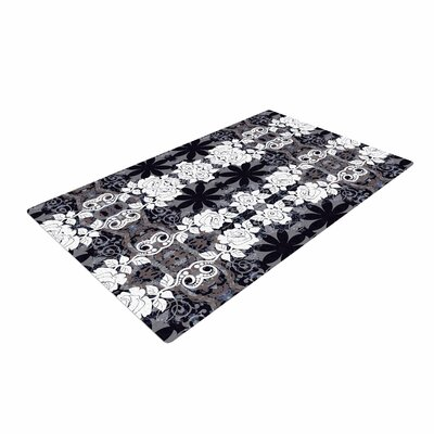 Suzanne Carter Lacey Black/Gray Area Rug