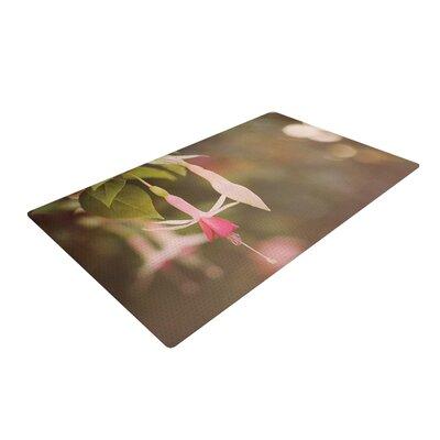 Angie Turner Fuchsia Flower Pink/Green Area Rug Rug Size: 4 x 6