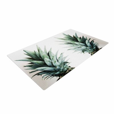 Chelsea Victoria Two Pineapples Green/Gold Area Rug