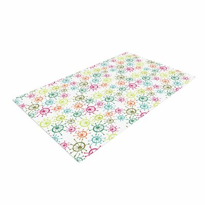 Holly Helgeson Mod Flower Burst White Area Rug Rug Size: 4 x 6