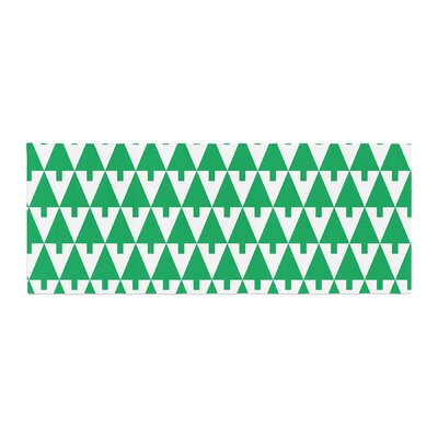 Gabriela Fuente Happy X-Mas Geometric Bed Runner Color: Green