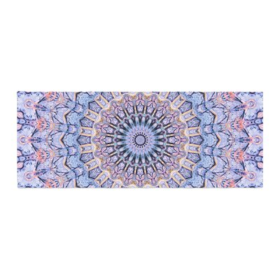 Iris Lehnhardt Summer Lace II Circle Bed Runner