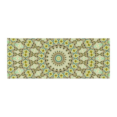 Iris Lehnhardt Kaleidoscope Circle Geometric Bed Runner Color: Green