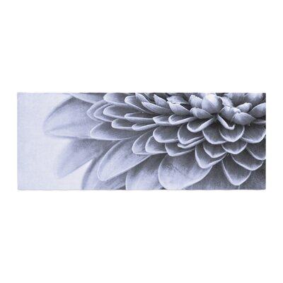 Iris Lehnhardt a Flower Petals Bed Runner