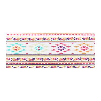 Nika Martinez Aylen Tribal Bed Runner Color: White