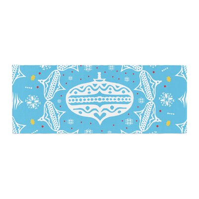 Miranda Mol Deco Wreath Bed Runner Color: Blue/Aqua