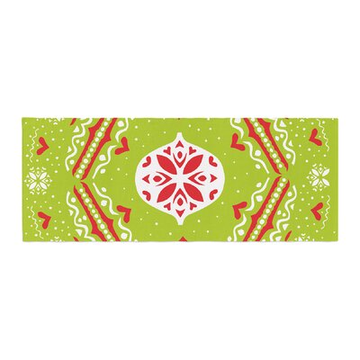 Miranda Mol Snow Joy Bed Runner Color: Green