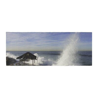 Nick Nareshni Hut With Crashing Wave Bed Runner