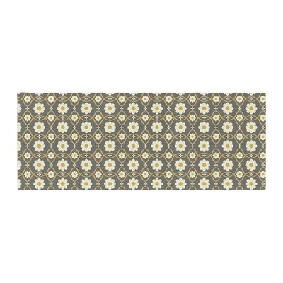 Nandita Singh Floral Pattern Bed Runner Color: Gray/Brown
