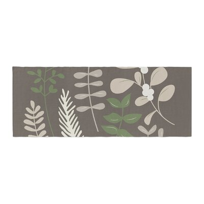 Deck the Hollies Bed Runner Color: Brown/Green