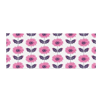 Laura Escalante Gerbera Flower Bed Runner Color: Pink