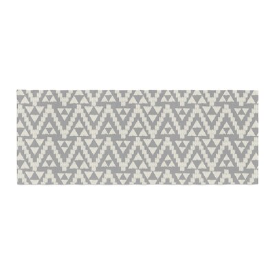 Amanda Lane Geo Tribal Aztec Bed Runner Color: Gray