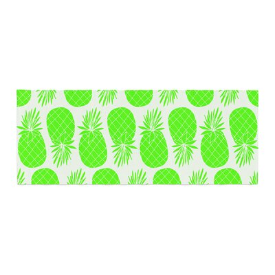 Anchobee Pinya Pattern Bed Runner Color: Green