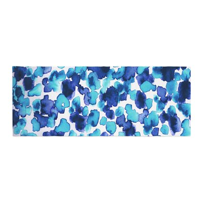 Ebi Emporium Giraffe Spots Bed Runner Color: Blue