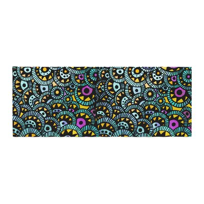 Pom Graphic Design Peacock Tail Bed Runner