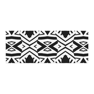 Pom Graphic Design Africa Bed Runner
