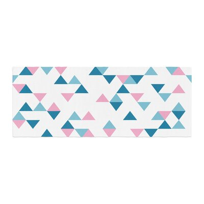 Project M Triangles Bed Runner Color: Blush/Blue