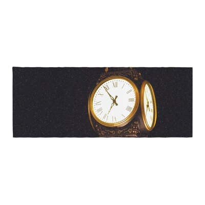 Robin Dickinson Xmas Clock Seasonal Bed Runner
