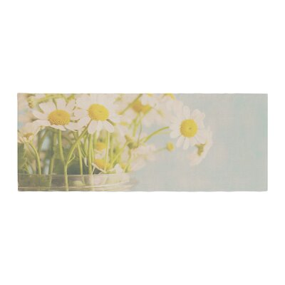 Laura Evans O Daisy Bed Runner