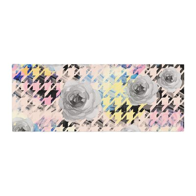 Mmartabc Houndstooth and Flowers Illustration Bed Runner