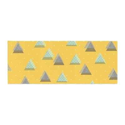 Strawberringo Triangles Geometric Bed Runner