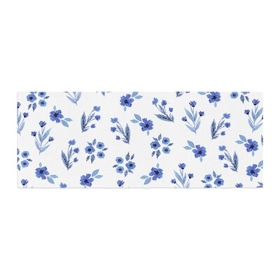 Starwberringo Floral Pattern Bed Runner