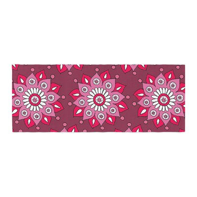 Sarah Oelerich Flower Burst Bed Runner Color: Raspberry