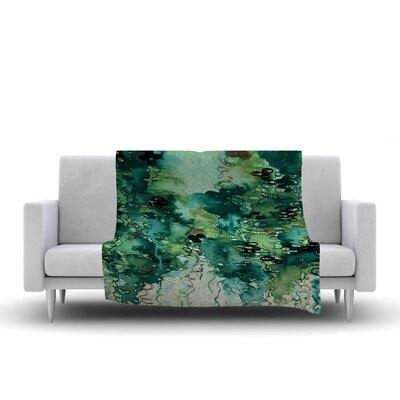 Ebi Emporium Beauty in the Rain Fleece Throw Size: 50 W x 60 L, Color: Green