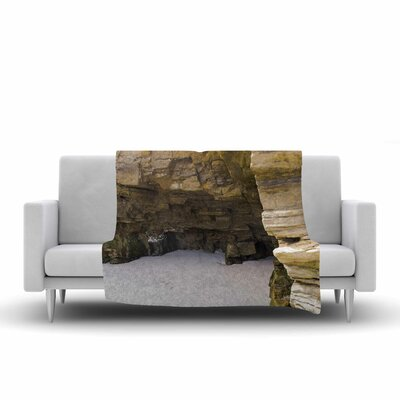 Nick Nareshni Sand and Stone Walls Fleece Throw Size: 50 W x 60 L
