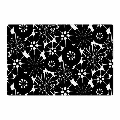 Amy Reber Circle Abstract Pattern Black/White Area Rug Rug Size: 4 x 6