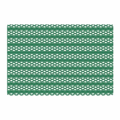 Celtic Texture Green/White Area Rug Rug Size: 4 x 6