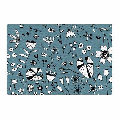 Nic Squirrell Etched Flowers Blue/White Area Rug Rug Size: 4 x 6