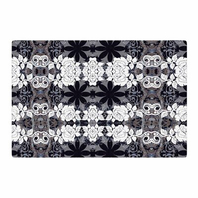 Suzanne Carter Lacey Black/Gray Area Rug Rug Size: 4 x 6