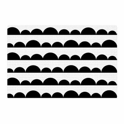 Trebam Neravan White/Black Area Rug Rug Size: 4 x 6