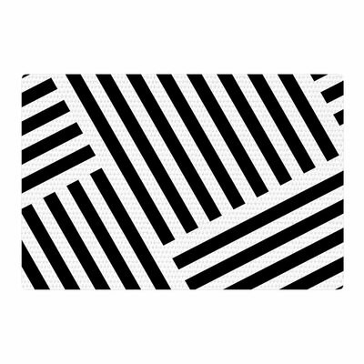 Trebam Zumirati Digital Black/White Area Rug Rug Size: 4 x 6