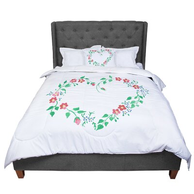 Louise Heart Comforter Size: King