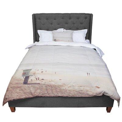 Myan Soffia Beach Day Beach Ocean Comforter Size: Queen