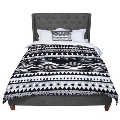 Nika Martinez Hurit Comforter Size: King