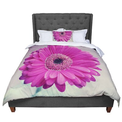 Nastasia Cook Pretty Daisy Flower Comforter Size: King