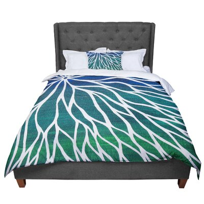 Designs Ocean Flower Comforter Size: Queen