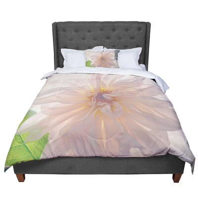 Robin Dickinson Buy Her Flowers Comforter Size: Queen