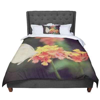 Robin Dickinson Captivating Flower Comforter Size: King