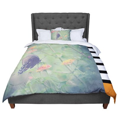 Robin Dickinson Captivating II Flower Comforter Size: King