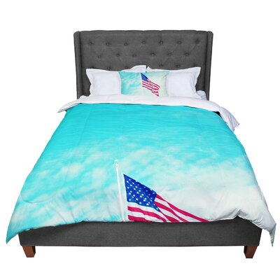 Robin Dickinson USA Flag Comforter Size: Twin