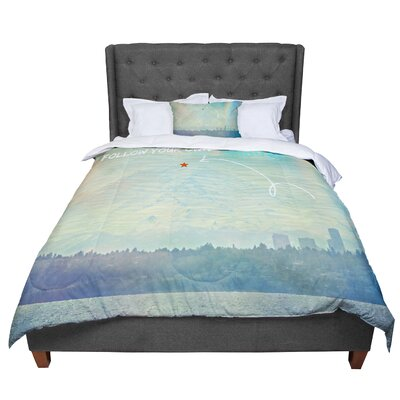 Robin Dickinson Follow Your Own Arrow City Landscape Comforter Size: Queen